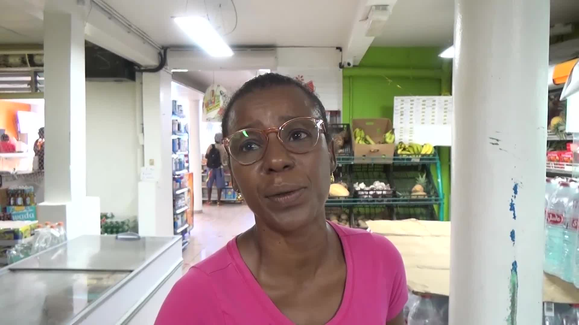 Sargasses à Capesterre Marie Galante : Interview de Mme Lyslène BADE