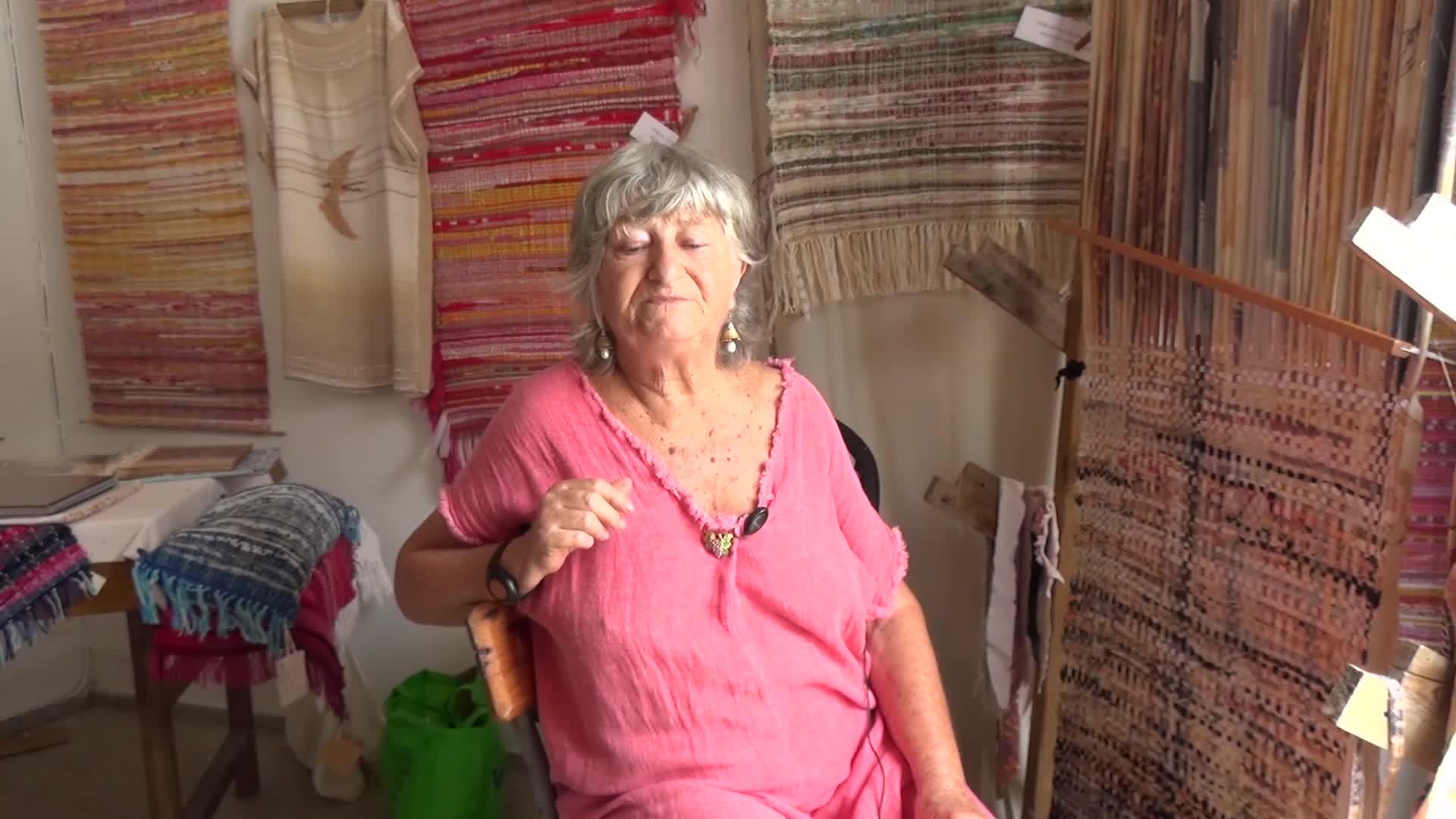 Artisanat et Préservation : Michele Sayanoff artiste itsserande expose ses créations chez Zeles à St Louis
