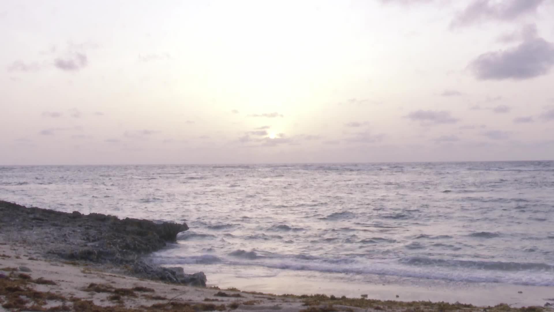 Interlude : magique lever de soleil à l'anse Taliseronde